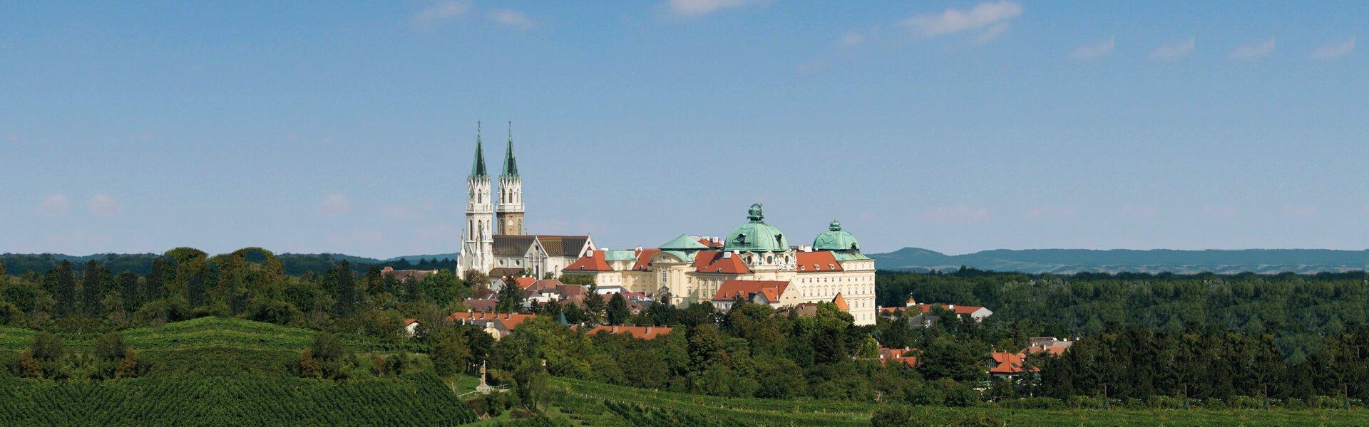 Stift Klosterneuburg mit Weingarten
