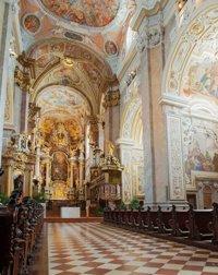 Zur Heiligsprechung ein Siebenarmiger Leuchter für Papst