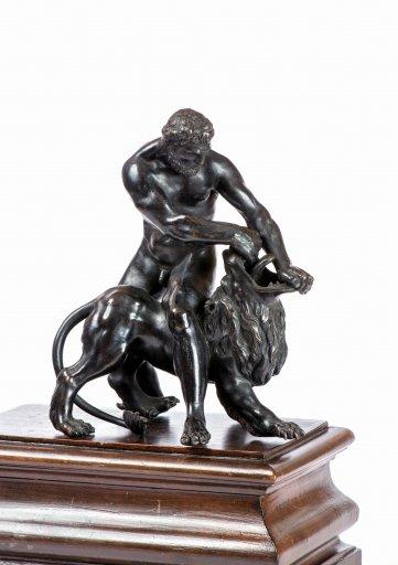 KG 52-002 Herkules mit dem nemischen Löwen