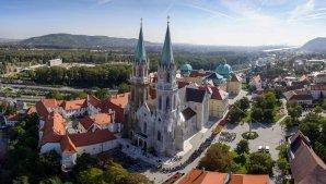 Blick auf das Stift Klosterneuburg von oben